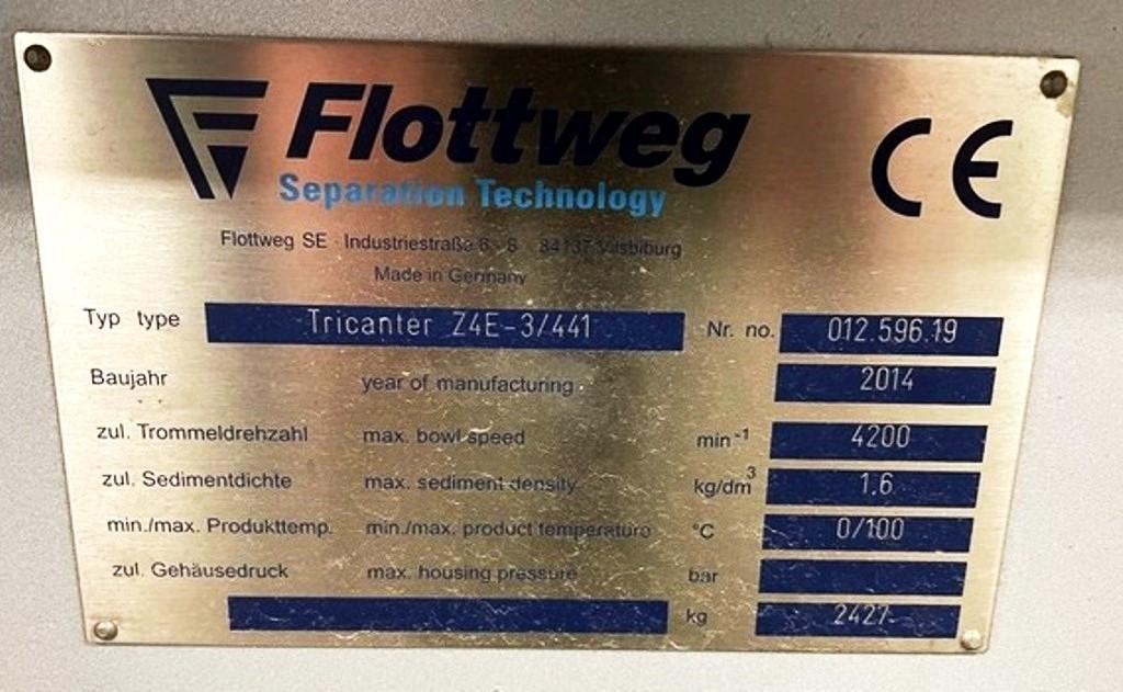 Flottweg Z4E-3/441 tricanter skid system.