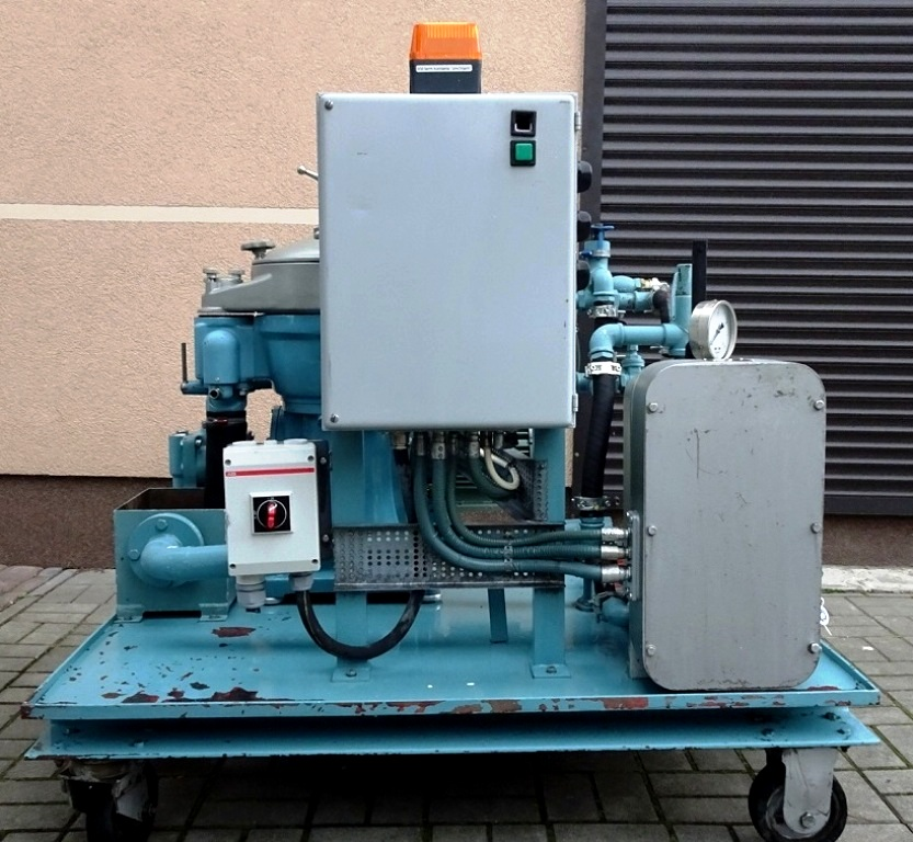 Alfa-Laval MAB 204S-24 oil purifier skid with heater.