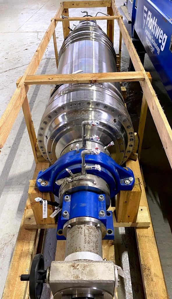 Flottweg Z6E-4/441g (24.5 x 98) tricanter centrifuge, 316L SS.